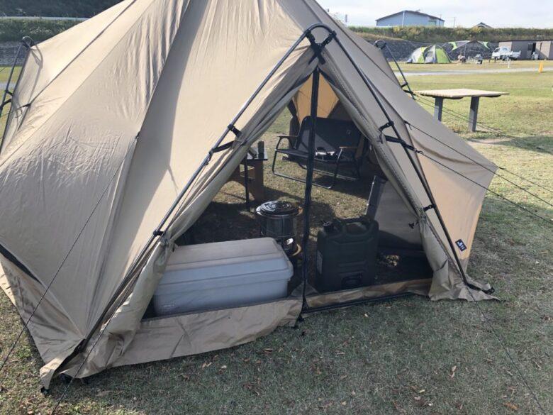 テントにメッシュ部分が付いていることを伝える画像